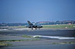 Berlin Flughafen Tempelhof 1992 Bundeswehr Luftwaffe Tornado (rieblinga) Tags: berlin flughafen tempelhof thf tag der offenen tür bundeswehr luftwaffe tornado 1 besuch deutsche nach mauerfall 1992