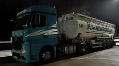 D - Kleinwächter >548< MB New Actros Streamspace (BonsaiTruck) Tags: kleinwächter 548 mb actros ffb feldbinder nacht night nuit lkw lastwagen lastzug silozug truck trucks lorry lorries camion caminhoes silo bulk citerne powdertank