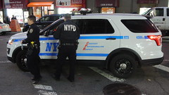 New York Police Department (Emergency_Spotter) Tags: new york police department nypd steelies awd ford taurus sedan explorer utilty push bumper federal signal vision slr officers street cops