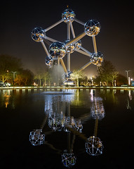 The Atomium (radkuch.13) Tags: sony sonyalpha a7r2 atomium brussels belgium europe monument night nightlights water reflection