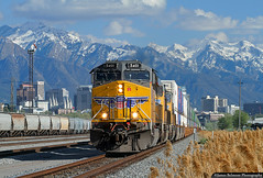 Mountains Majesty (jamesbelmont) Tags: unionpacific ge et44ac zcig1 container saltlakecity utah northyard wasatch