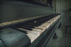 Sounds and melodies (JG - Instants of light) Tags: musicroom piano musicalinstrument abandoned forgotten decay dark light creepy silence sons melodias salademusica instrumentomusical abandonado esquecido decair sombrio leve arrepiante silêncio urbex exploraçãourbana nikon d5500 sigma 1020 portugal