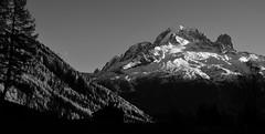 La lune et la montagne - Moon and mountain (CHAM BT) Tags: neige foret montagne sommet ciel arbre lune glacier rocher granit snow forest summit mountain rock meleze larch fantasticnature