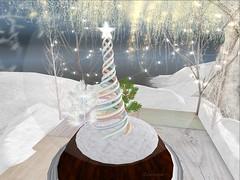 Entrance no.352 (Curiosse) Tags: decoration decoracion christmas navidad gift regalo poe hunt 2018 december pwa poseswithattitude globe