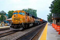 710 Hours (BravoDelta1999) Tags: burlingtonnorthernsantafe bnsf railway burlingtonnorthern bn railroad chicagoburlingtonandquincy cbq bnsfracetrack chicagosubdivision lagrange illinois stoneavenue station depot emd sd70mac 9960 lpg train