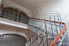 Stairway (paulbunt60) Tags: duitsland hostert kentschool trappenhuis urbex germany stairway