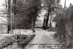 Renkum Onder de Bomen hoek Nieuweweg in het lage boerderijtje woonde jarenlang Heintje de Jager de heks Bron Heemkunde Renkum (Historisch Genootschap Redichem) Tags: renkum onder de bomen hoek nieuweweg het lage boerderijtje woonde jarenlang heintje jager heks bron heemkunde
