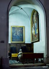 contemplation (quentinmirabelle) Tags: peinture collégiale église dame madame femme personne contemplation couleur couleurs montélimar drôme provence