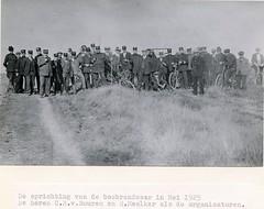 Renkum de 1e Bosbrandweer in Nederland Foto mei 1925 Collectie Kees Klaver (Historisch Genootschap Redichem) Tags: renkum de 1e bosbrandweer nederland foto mei 1925 collectie kees klaver
