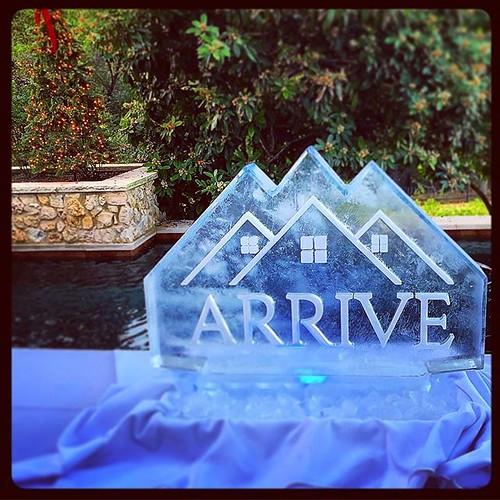 The #holiday season has arrived! #fullspectrumice #thinkoutsidetheblocks #icesculpture #logo #brrriliant #branding @arriveluxuryrentals - Full Spectrum Ice Sculpture