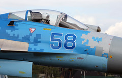 Sukhoi Su-27 P 58 - Close-Up during taxiing Kleine-Brogel Spotter 7 septembre 20182018-09-07 10-35-08_0647 mod et signée (vincent.lempereur) Tags: fighter su27 avion plane chasseur air airshow aircraft