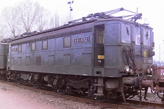 SNCF BB-4752 (4256) (bobbyblack51) Tags: sncf class bb 4730 alsthom bobo electric locomotive bb4752 4756 tours st pierre des corps depot 1997