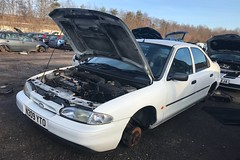 Ford Mondeo Aspen (Sam Tait) Tags: ford mondeo mk1 phase 1 white 1996 16v 16 petrol zebec retro rare scrap junk
