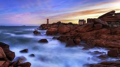 Phare Ouest (Ludovic Lagadec) Tags: ploumanach lighthouse paysage poselongue plage phare bretagne brittany breizh beach longexposure ludoviclagadec landscape canon6d cotesdarmor