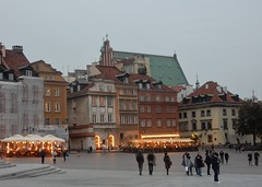 Cafes Light Up Old Town Square (mikecogh) Tags: warsaw oldtown square cafes illuminated lights beacons tourists