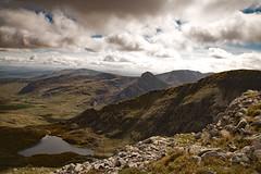 Ffynnon Lloer from Pen yr Ole Wen (Frightened Tree) Tags: cymru wales ogwen valley cwm landscape tirweddau ffynnon lloer lake llyn mountain mynydd mynyddoedd tryfan pen yr ole wen tamron 2470mm