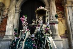 Maschere originali (R.o.b.e.r.t.o.) Tags: venezia venice carnevale carneval carnival carnaval italia italy costumi maschera people man sir uomo lady donna woman ritratto portrait 2019 dama cavaliere maschere mask
