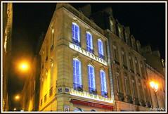 BORDEAUX by night ! (Les photos de LN) Tags: bordeaux aquitaine gironde façades bâtiment architecture lumières illuminations noël boutique portdelalune