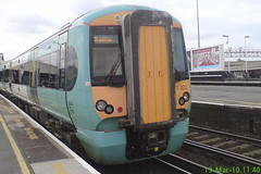 377322 (Rob390029) Tags: 377322 southern class 377 electrostar emu electric multiple unit train track tracks rail rails travel travelling transport transportation transit public clapham junction railway station london green clj