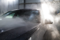 IMG_1303 (Blongman) Tags: auto car vl japan bmw toyota x6m carwash wash water russia 7d