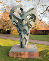 Rufford 04 sculpture (bob watt) Tags: samsung mobile s9 ruffordabbey rufford nottinghamshire england uk december 2018 sculpture