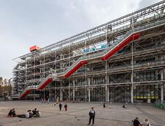 Centre Pompidou V (Jack Landau) Tags: centre pompidou architecture postmodern structure building renzo piano richard rogers paris france europe eu canon 5d jack landau