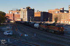 Frosty Friendly Wave (Russell_Honey) Tags: ge bnsf es44dc c449w kansascity westbottoms mixedmanifest mow cold frost sunrise morning railroadphotography railfan
