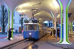 P-Zug 2006/3004 kurz vor Einbruch der Dunkelheit an der Münchner Freiheit (Bild: Andy Paula) (Frederik Buchleitner) Tags: 2006 3004 linie23 munich münchen münchnerfreiheit pwagen strasenbahn streetcar tram trambahn