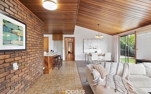 6 Grundell Cl, Manifold Heights VIC 3218