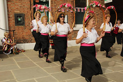 IMG_8369_2592x1728 (Graham Ó Síodhacháin) Tags: tenterdenfolkfestival 2012 tenterden folk festival morrisdancers cocothebutterfields creativecommons