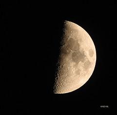 la lune prise il y a 1/4 d'heure pour vous souhaiter une bonne soirée et une bonne nuit ! (AND HL) Tags: lune