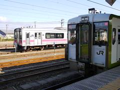キハ111-120 (しまむー) Tags: panasonic lumix dmcgx1 gx1 sigma art 19mm f28 dn round trip train