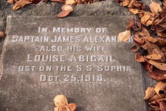 20181111_0097_1 (Bruce McPherson) Tags: brucemcphersonphotography princesssophiamemorial fall autumn shipwreck worseshipwreckinbchistory graves memorial mountainviewcemetery vancouver bc canada