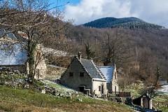 Cominac (Ariège) (PierreG_09) Tags: cominac ercé ariège pyrénées pirineos couserans occitanie midipyrénées village hameau architecture grange étable pignonàredans pasdoiseau pignonàredents