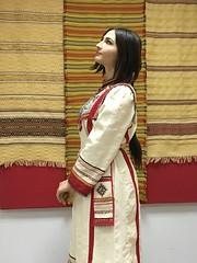 IMG_1649 (ivanov.orkoff) Tags: семенова ткачество ручноеткачество народныемастера наследие народныйкостюм стилизация молодежь модель девушки девочки girls twogirls kids exibition ткачиха