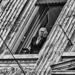 Glamour french style ;-) (JM@MC) Tags: marseille streetphotography square carré blackandwhite noiretblanc