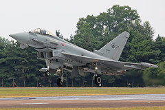 MM7343 (36-52) Eurofighter EF2000 Typhoon Italian Air Force Landing RIAT RAF Fairford 13th July 2018 (michael_hibbins) Tags: mm7343 3652 eurofighter ef2000 typhoon italian air force riat raf fairford 13th july 2018 italy euro european europe aeroplane aircraft aviation aerospace airplane aero airshow airfields military defence strategic fighter bomber multiengined multirole afterburner afterburners jet jets