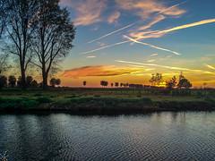 sunset on the Mark (jmartincrossroads) Tags: zevenbergen brabantseptentrional paysbas nl canal sunset mark