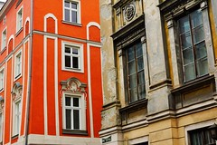 Old and new (Eziah photography) Tags: krakow poland architecture building window orange wall new old city travel colors dichotomy immeuble