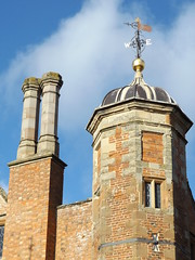 Turret and Chimney, Charlecote House, Warwickshire, 11 November 2018 (AndrewDixon2812) Tags: charlecote park warwickshire hampton lucy nationaltrust wellesbourne stratford chimney roof turret weather vane weathercock