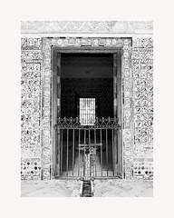 Sevilla 145 (BLANCA GOMEZ) Tags: spain sevilla seville andalucia andalusia architecture arquitectura shadows light silhouettes mosaics bw blackwhite alcazardesevilla unesco worldheritagesite mudejar palace carlosvpavilion pabellonddecarlosv