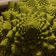 Romanesco, natural fractals (Mika Lehtinen) Tags: veggie cauliflower blomkål naturalfractals fractal fractals macro nice nature