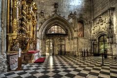 Interiores (bardaxi) Tags: oviedo asturias españa spain nikon hdr europa europe photomatix photoshop interior catedral iglesia contraste perspectiva arquitectura arte detalle gotico church monumento