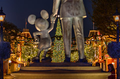 Christmas Partners (BBQMonster) Tags: bbqmonster christmas2018 copyrightc2018toddfburgessallrightsreserved d750 disneyafterdark disneychristmas disneyparks nikond750 nikondigital toddburgess toddfburgess disneyland partnersstatue partnerschristmas disneypartners merrychristmas nikkor70200mmf28gedvriilens nikkorlens nikonusa disney parks disneylandchristmas hiddenmickey garland mickey mickeymouse mickeychristmas waltdisney happiestplace tripodsquad capturingthemagic landscapephotography longexposure d750160044
