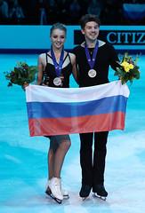 Фигурное катание. Чемпионат Европы по фигурному катанию (Sport24.ru) Tags: спорт sport медаль россия сборнаяроссии флаг улыбка
