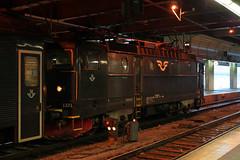 SJ 1371 (gooey_lewy) Tags: stockholm city capital sweden winter february trip visit sj rail railway train electric locomotive central station statens järnvägar or state railways rc6 bo 1371