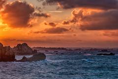 Plougrescant (Mirarmor) Tags: ciel mer soleil lumière vagues nuages bretagne côtes darmor paysage nature hiver france seaside plage greatphotographers