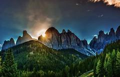 Alba sulle Odle (giannipiras555) Tags: dolomiti alba panorama paesaggio landscape sole natura nuvole autunno