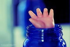 WAVING || WUIVEN (Anne-Miek Bibbe) Tags: bottleneck flessenhals smileonsaturday blauw blue blau blu azul canoneos700d canoneosrebelt5idslr annemiekbibbe bibbe nederland 2018 hand waving wuivend wuiven