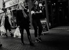 Roar (Bury Gardener) Tags: burystedmunds bw blackandwhite britain suffolk street streetphotography snaps streetcandids strangers candid candids people peoplewatching folks 2018 abbeygatestreet